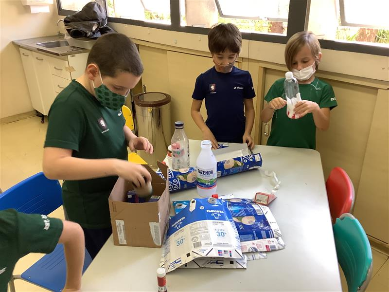 P2s_repurposing-the-recycled-materials-they-found-2